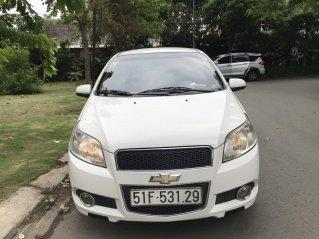 Cần bán xe Chevrolet Aveo màu trắng đời 2015, 70.000km, 240 triệu đồng
