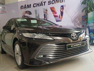 Toyota Camry 2.5Q màu độc lạ nhất thị trường, giao ngay