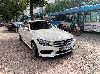 Cần bán xe Merc C250 AMG sản xuất cuối 2015 mầu trắng, nội thất đỏ