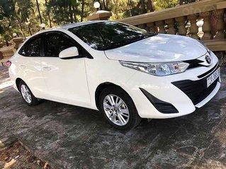 Cần bán lại xe Toyota Vios sản xuất năm 2019, màu trắng còn mới
