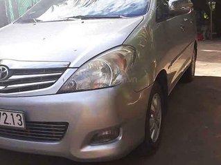 Cần bán gấp Toyota Innova năm sản xuất 2009, màu bạc còn mới, giá tốt