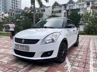 Bán Suzuki Swift sản xuất năm 2014, màu trắng còn mới, 369tr