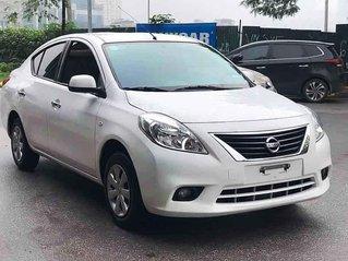 Xe Nissan Sunny năm 2015, màu trắng còn mới