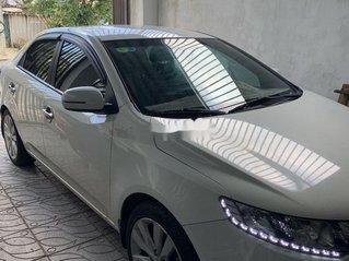 Bán ô tô Kia Forte năm sản xuất 2013, màu trắng chính chủ