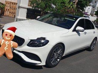 Bán Mercedes E300 đời 2018, màu trắng còn mới