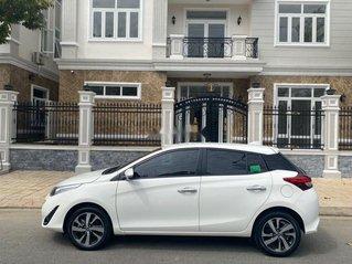 Bán Toyota Yaris sản xuất 2019, màu trắng, nhập khẩu xe gia đình