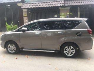 Bán xe Toyota Innova đời 2017 chính chủ