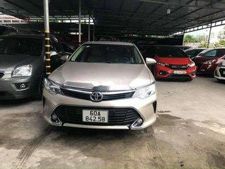 Bán Toyota Camry năm 2017, giá chỉ 818 triệu