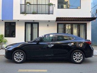 Cần bán Mazda 3 năm 2017, màu đen, giá chỉ 550 triệu