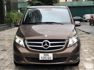 Cần bán xe Mercedes V220 Luxury, máy dầu, SX 2015