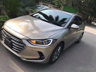 Bán gấp Hyundai Elantra đời 2019, màu vàng