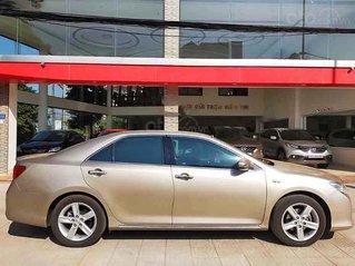 Cần bán gấp Toyota Camry 2.5Q sản xuất năm 2013, màu vàng cát