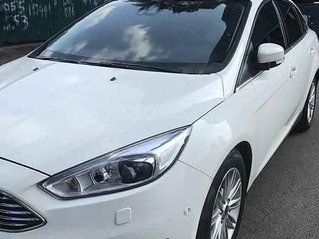 Xe Ford Focus Titatium 1.5L Ecoboost sản xuất 2016, màu trắng