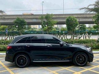 Mercedes GLC300 model 2017, màu đen