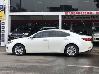 Cần bán xe Lexus ES 250 SX 2016, ĐK 2017 màu trắng, một chủ đẹp xuất sắc