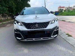 Cần bán gấp Peugeot 5008 năm 2019, màu trắng