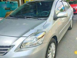 Cần bán xe Toyota Vios sản xuất năm 2012, màu bạc chính chủ giá cạnh tranh