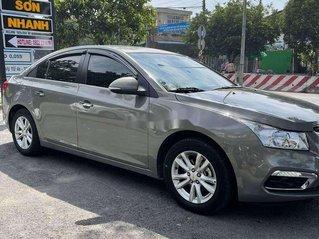Cần bán Chevrolet Cruze 2017, màu xám chính chủ giá cạnh tranh