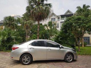 Bán Toyota Corolla Altis năm sản xuất 2016, màu bạc chính chủ