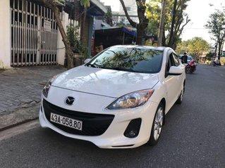 Cần bán Mazda 3 năm sản xuất 2012, màu trắng còn mới
