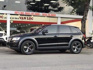 Cần bán gấp chiếc Audi Q5 sản xuất 2016 màu đen xe đẹp, giá tốt