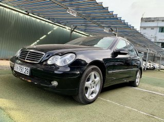 Cần bán Mercedes-Benz C class C240 màu đen, sx năm 2004