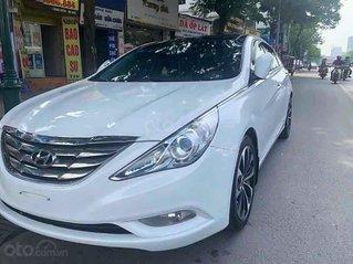Cần bán xe Hyundai Sonata sản xuất 2012, màu trắng, xe nhập