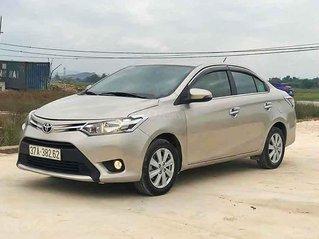 Cần bán gấp Toyota Vios 1.5E sản xuất 2017, màu vàng cát
