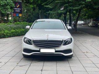 Hỗ trợ mua xe giá thấp với chiếc Mercedes E200 2016 xe một đời chủ