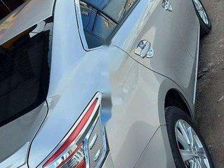 Xe Toyota Vios năm 2018, màu bạc mới chạy 8300km, giá 458tr