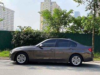 Cần bán gấp BMW 3 Series năm sản xuất 2013, màu nâu, nhập khẩu nguyên chiếc còn mới, giá chỉ 725 triệu