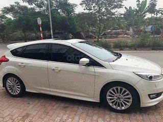 Bán Ford Focus năm sản xuất 2015, màu trắng còn mới, 570tr