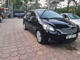 Cần bán lại xe Toyota Vios sản xuất năm 2011, màu đen còn mới