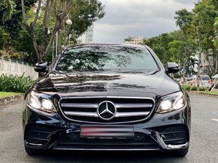 Cần bán Mercedes-Benz E300 AMG model 2019, màu đen
