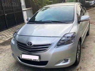 Bán ô tô Toyota Vios năm 2013, màu bạc số tự động