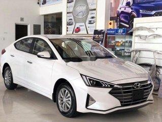 Cần bán xe Hyundai Elantra đời 2020, màu trắng