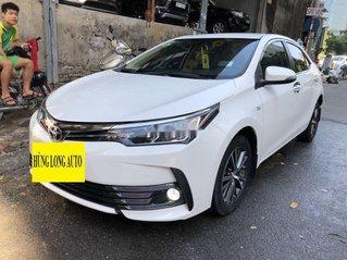 Cần bán gấp Toyota Corolla Altis 2018, màu trắng chính chủ