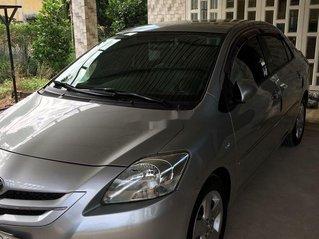 Cần bán gấp Toyota Vios đời 2008, màu bạc