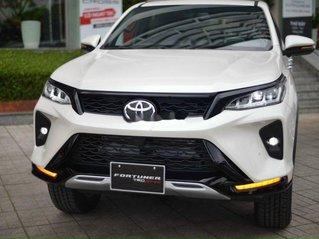 Cần bán xe Toyota Fortuner Legender 2020, màu trắng