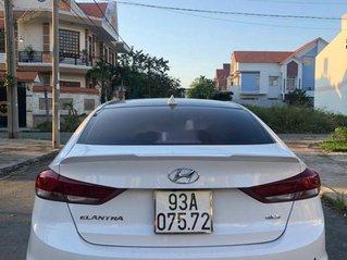 Bán Hyundai Elantra sản xuất 2017, màu trắng, nhập khẩu, giá chỉ 450 triệu