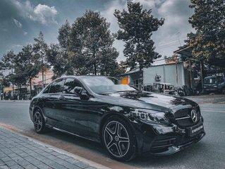 Cần bán Mercedes C300 AMG đời 2019, màu đen