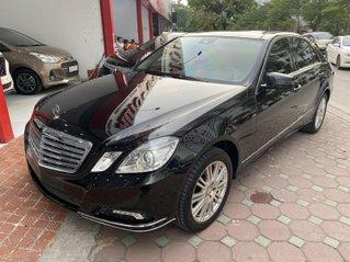 Cần bán Mercedes - Benz E300 sản xuất năm 2009 màu đen, chạy 95.000 km zin, giá chỉ hơn 600 triệu