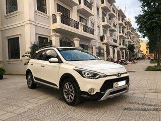 Cần bán nhanh với giá thấp chiếc Hyundai i20 Active, sản xuất năm 2015