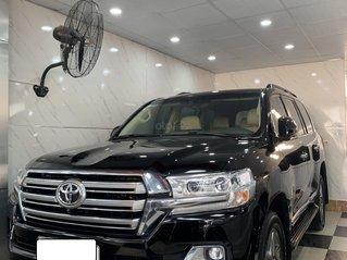 Cần bán Toyota Land Cruiser 2016 đăng ký 2017 - biển Hà Nội - một chủ từ đầu cực hot