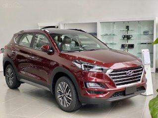 Hyundai Tucson ưu đãi ngay 30 triệu tiền mặt, full bộ phụ kiện, 50% thuế trước bạ. Đủ màu giao ngay