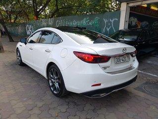Cần bán Mazda 6 2.5 bản full SX 2018 ĐK 1/2019, màu trắng Ngọc Trinh