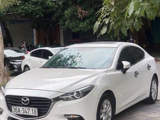 Bán gấp chiếc Mazda 3 sản xuất 2018 bản Luxury 1.5AT