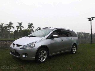 Cần bán xe Mitsubishi Grandis sản xuất 2009, màu bạc còn mới