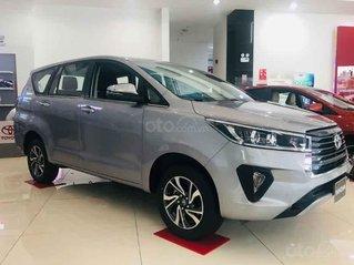 Bán Toyota Innova sản xuất 2020, màu xám, giá tốt