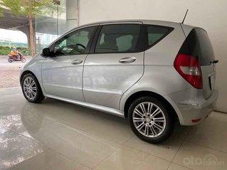 Cần bán Mercedes 2009, màu bạc, nhập khẩu nguyên chiếc